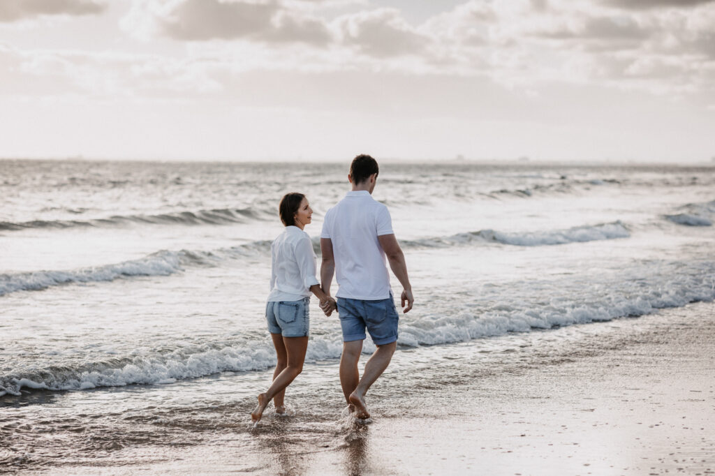walk along Brighton beach