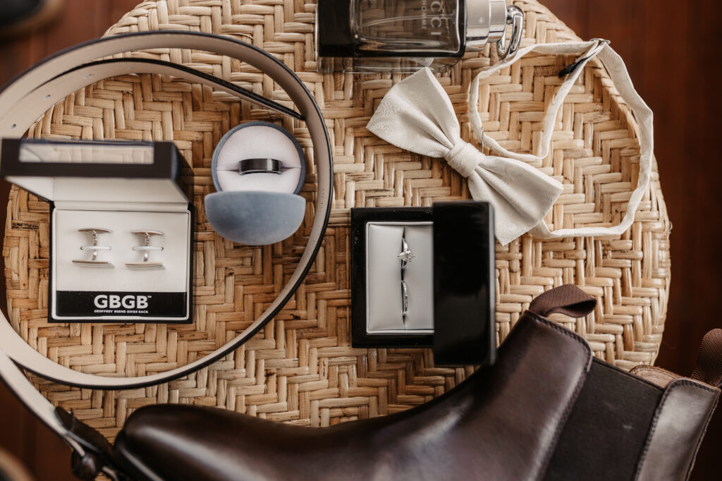 grooms wedding accessories